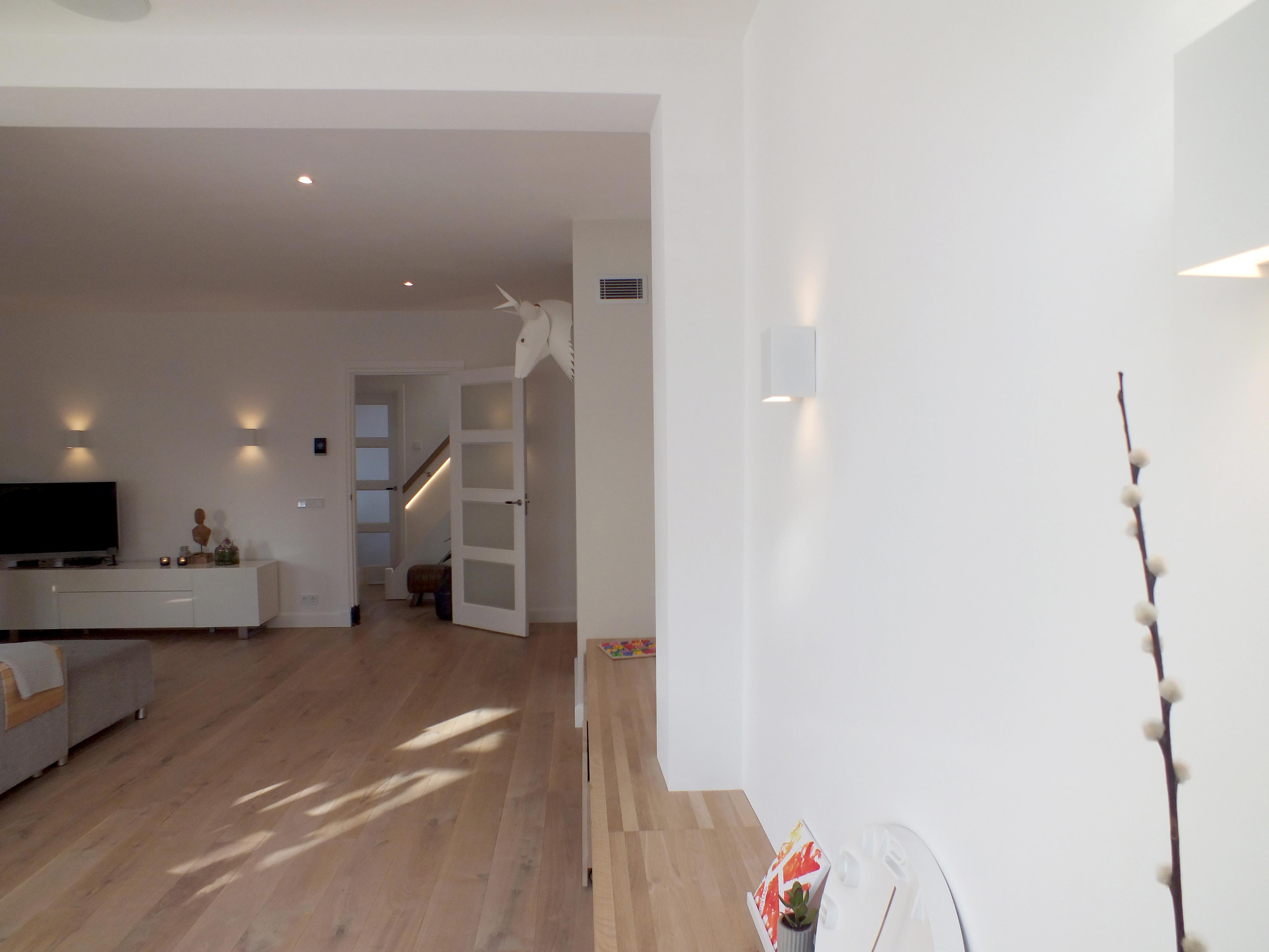 Lichtplan woonkamer zichtlijn spots wandlamp – Design by Meyn